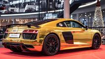 Audi R8 V10 Plus goes gold