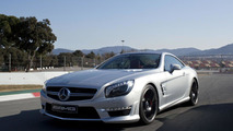 2013 Mercedes SL63 AMG gets the thumbs up from Boris Becker [video]