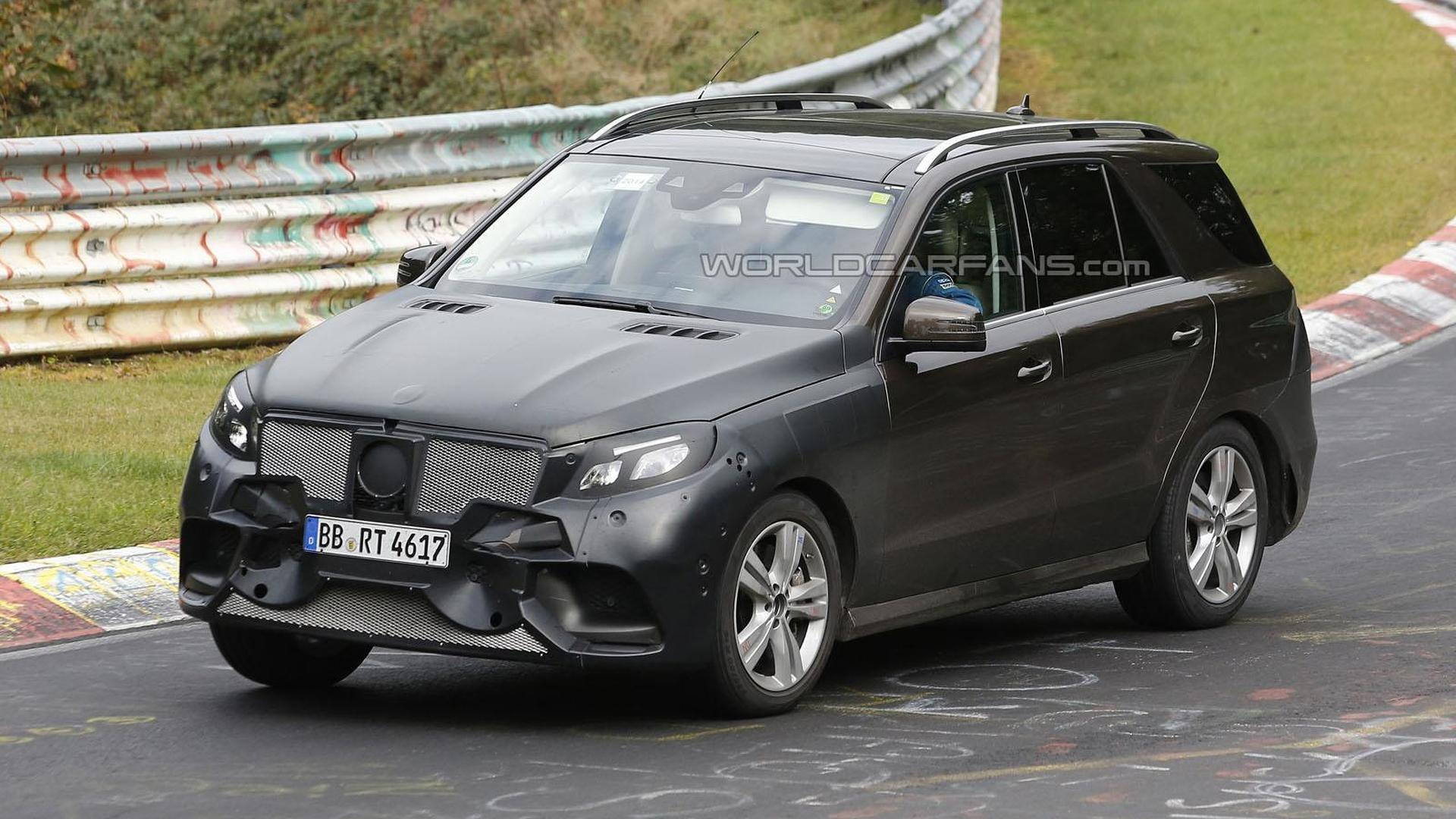 Mercedes M-Class facelift spied on the Nurburgring