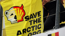 Greenpeace protests F1 sponsor Shell at Spa