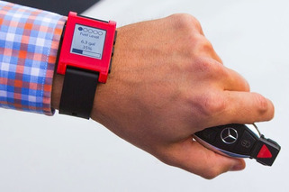 Mercedes-Benz Smartwatch App Plays Into Latest Tech Craze