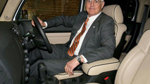 Bob Lutz in Right-Hand-Drive Hummer H3