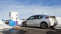Opel Ampera tested on the frozen Baltic Sea