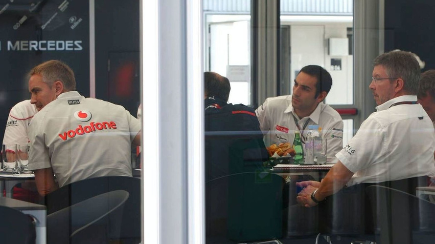 Teams discuss common car launch for 2010