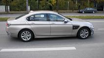 2014 BMW 5-Series facelift spy photo 07.11.2012
