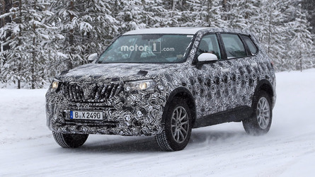 2017 Brilliance V7 spied during final testing