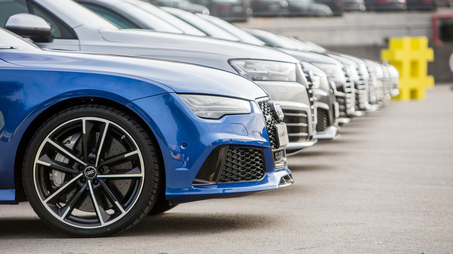 FC Barcelona stars receive new Audis, test the Q2 SUV