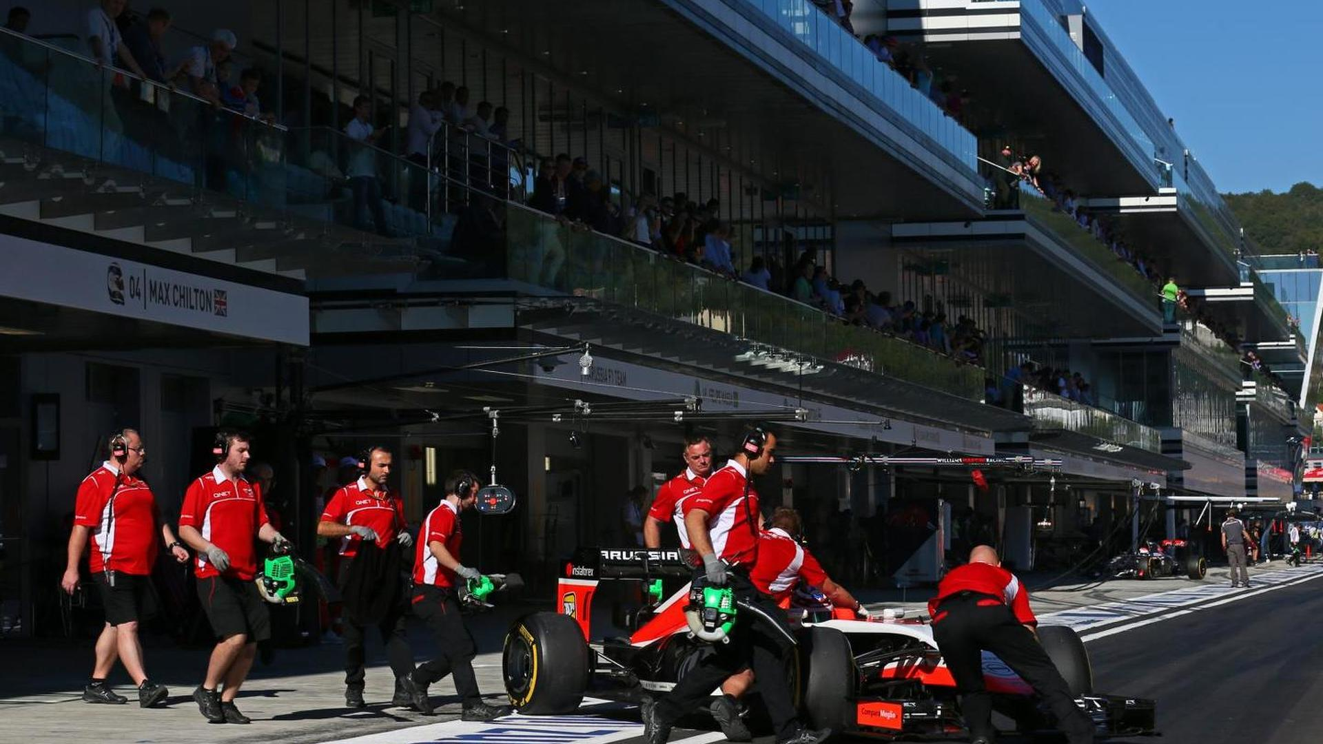 Marussia team staff spotted in Abu Dhabi