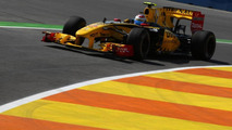 Renault not using F-duct in Valencia