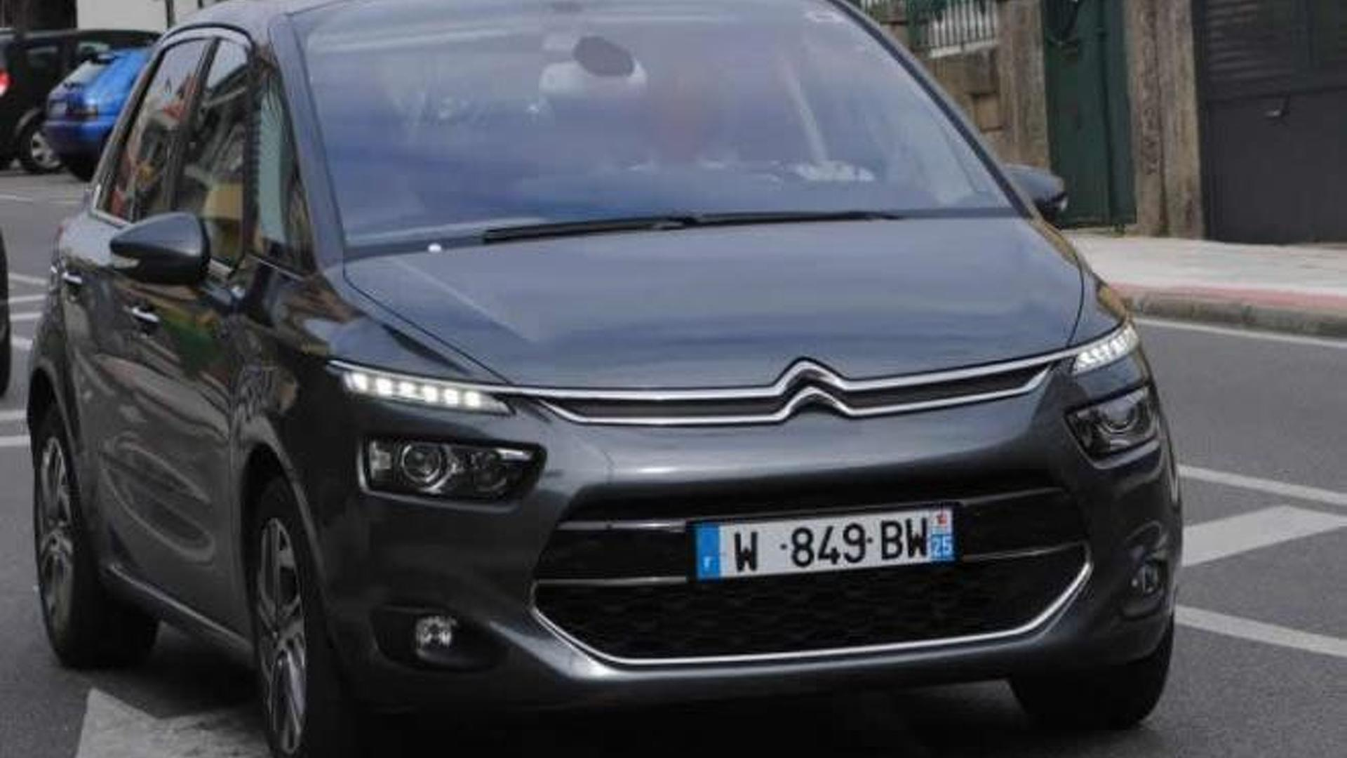 2013 citroen c4 picasso shows its bold new face. Black Bedroom Furniture Sets. Home Design Ideas