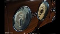 Ford Deluxe Tudor Sedan