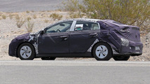 Hyundai Prius competitor spy photo