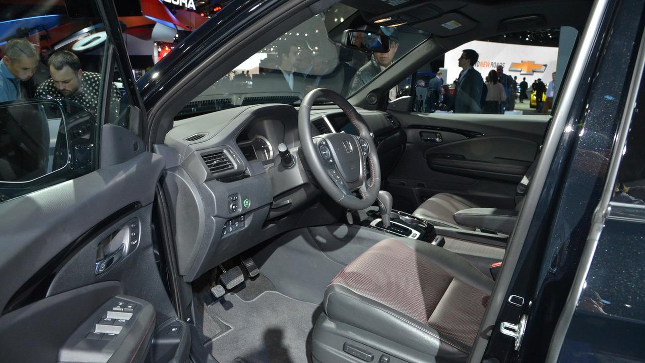 2017 Honda Ridgeline fuel economy tops all gas midsize pickups