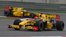 Renault not ruling out driver change for 2011