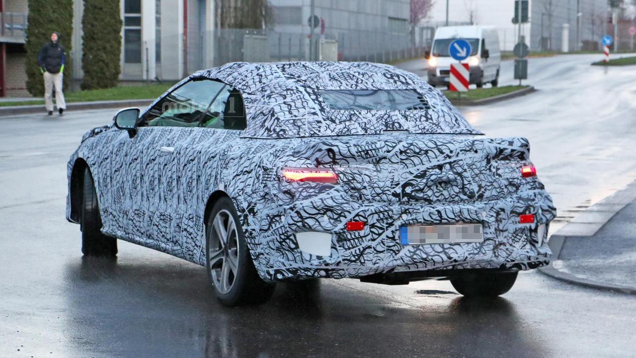 Mercedes E Class Convertible spy photo