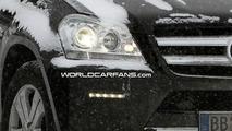 Mercedes GL Facelift Spy Photo