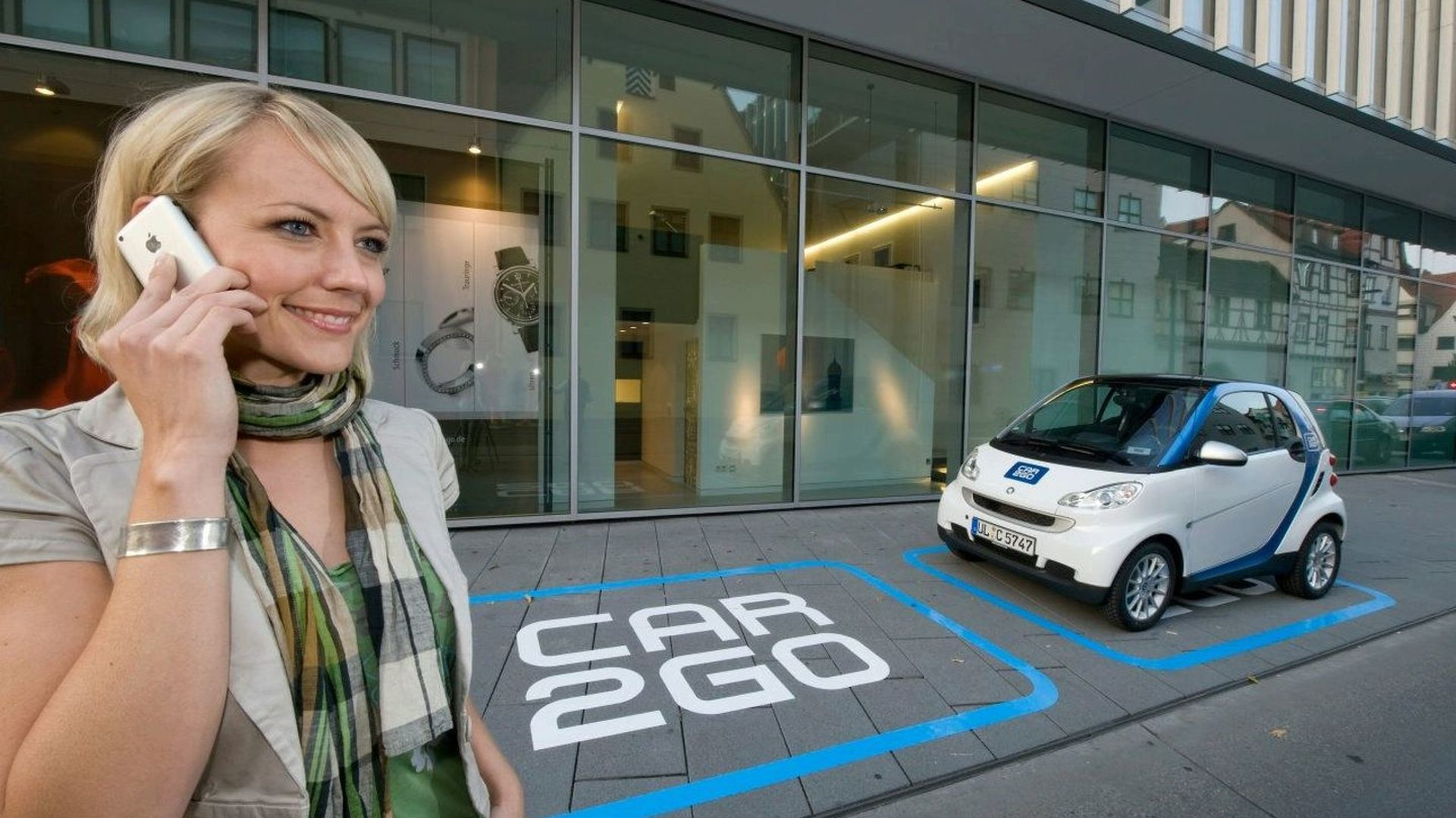 Smart car2go Mobile Rental Service Testing in Germany