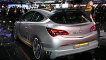 Opel unleashes Astra OPC EXTREME with 300 HP in Geneva