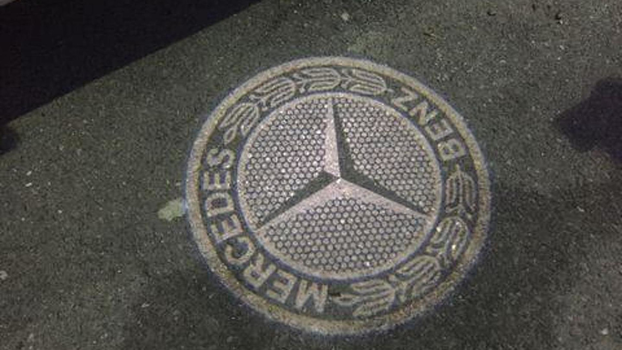 Mercedes Benz Star Logo >> Mercedes-Benz GLE available with mirror-mounted LED projector showing company logo