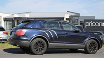Bentley Bentayga spied virtually undisguised