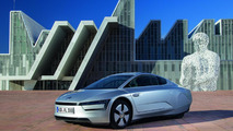 Volkswagen XL1 arrives in production form in Geneva [video]
