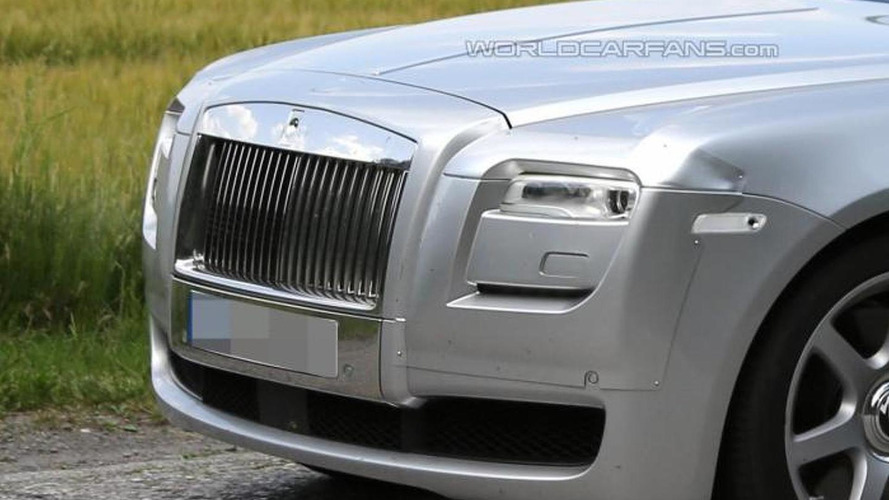 2014 Rolls-Royce Ghost spied hiding minimal changes