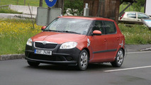 2010 Skoda Fabia facelift spy photo