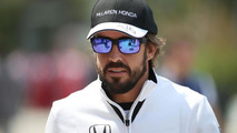 Alonso under attack in China