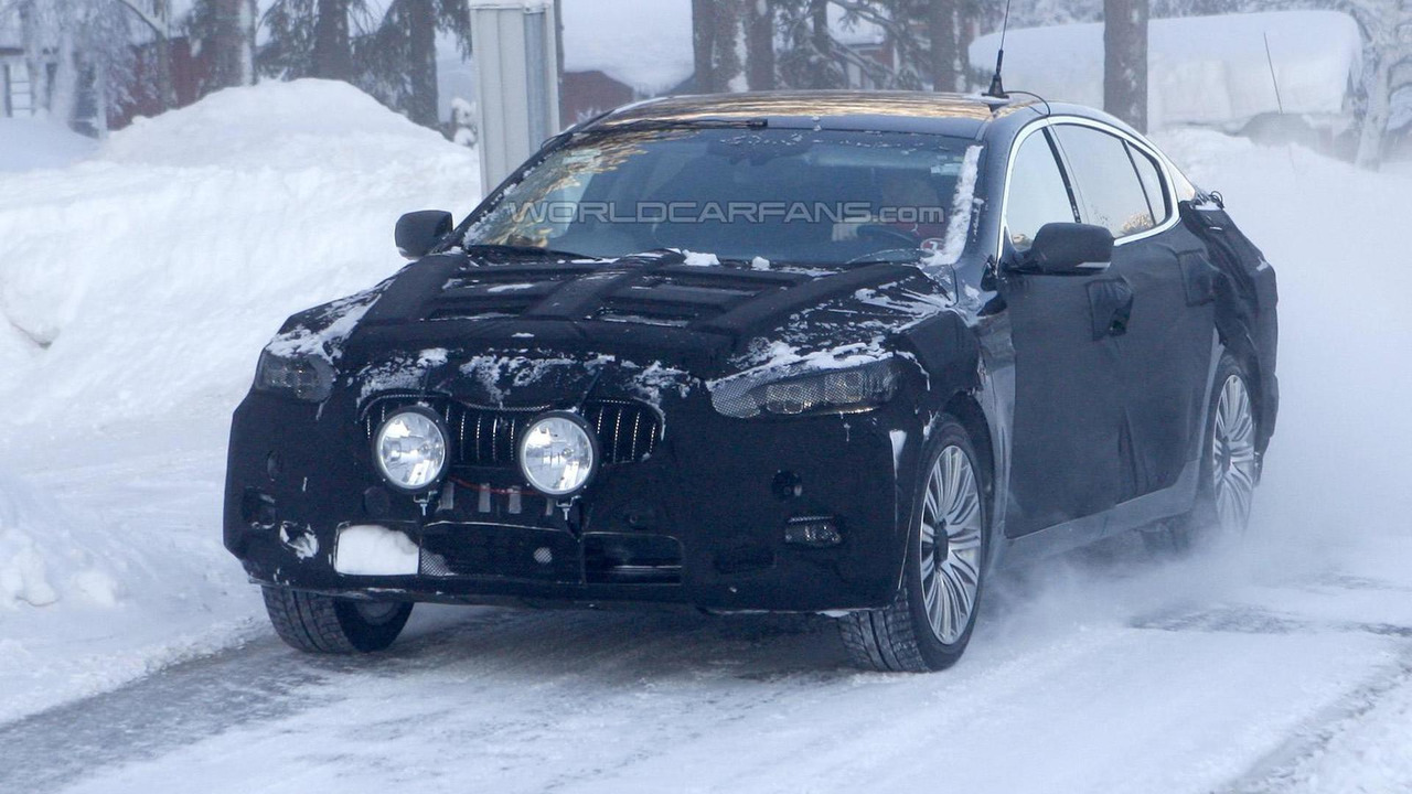 2013 Kia K9 prototype spy photo