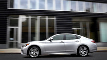 Infiniti Q70 headed to Paris with a Mercedes-sourced diesel engine