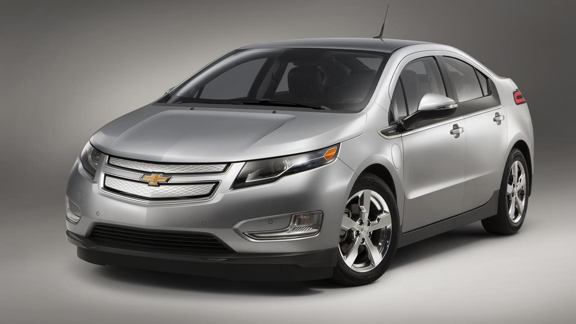 GM plotting Tesla Model S competitor with 200-mile range - report