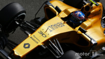 Renault halts 2016 F1 car development