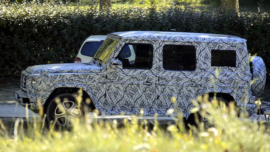 Pair of next-gen Mercedes G-Class prototypes make spy video debut