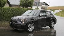 2017 Alfa Romeo crossover test mule spy photo