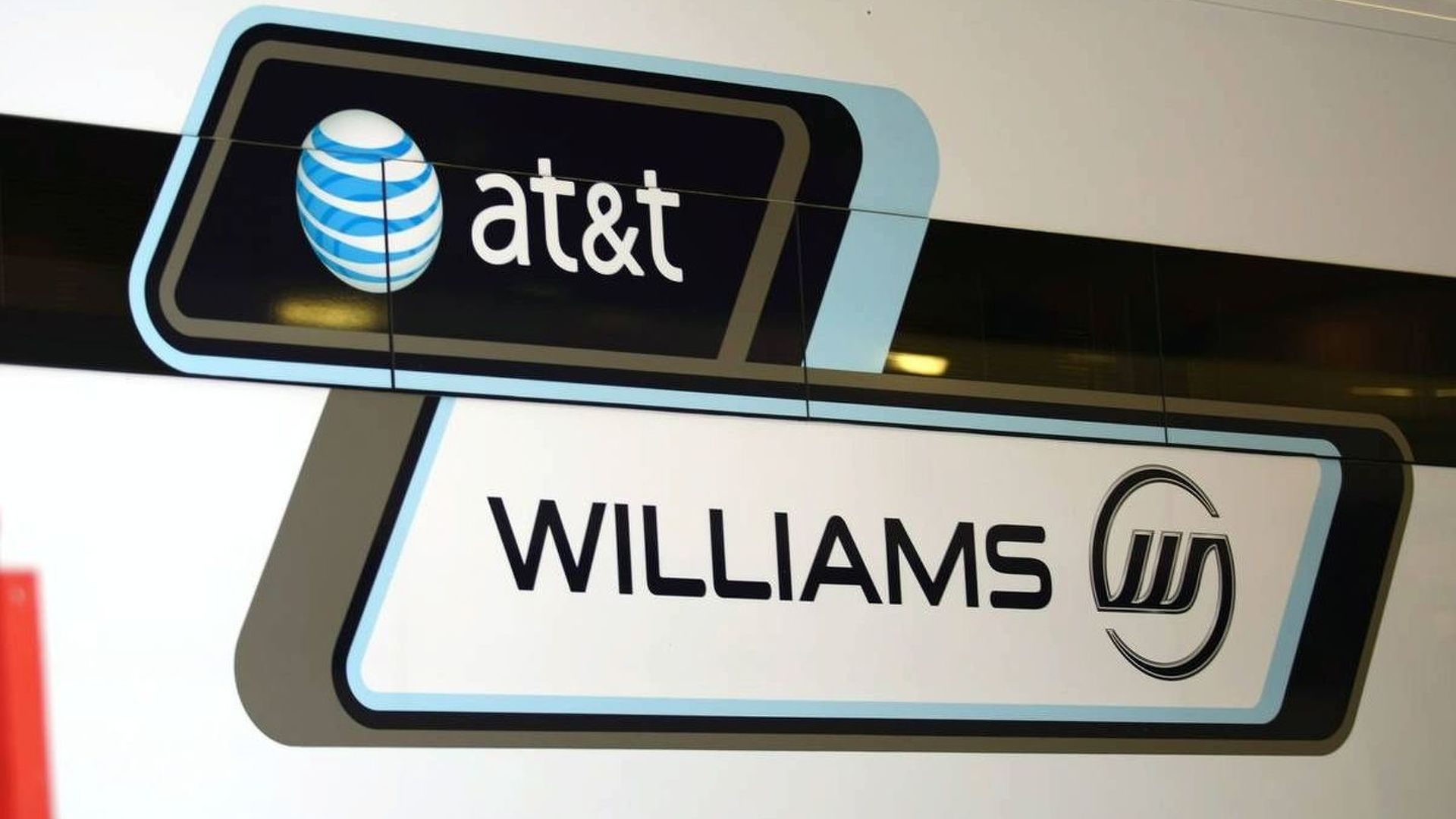 Williams enjoys status but eyes carmaker alliance