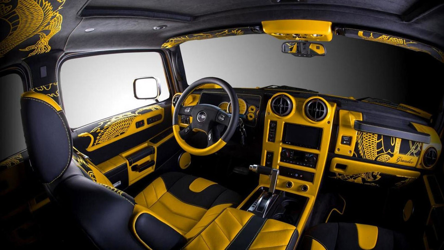 Vilner applies Chinese dragon theme on a yellow Hummer H2