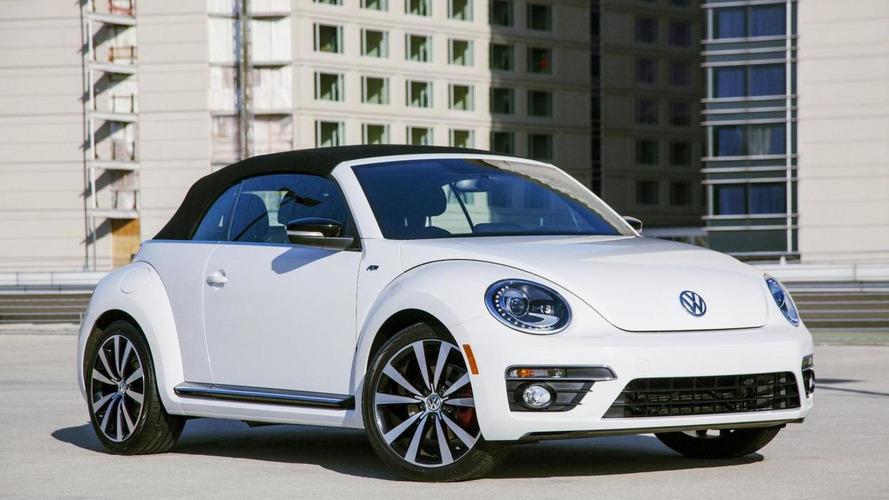 2014 Volkswagen Beetle Convertible R-Line debuts in Chicago