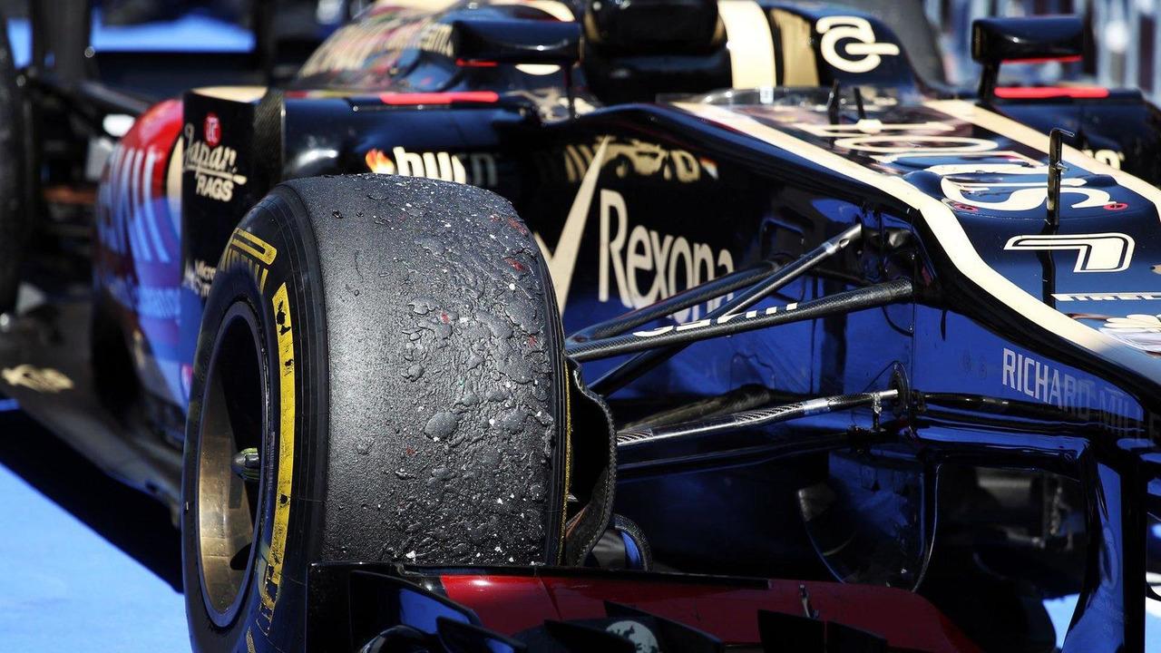 Worn Pirelli tyre on the Lotus F1 E21 of Kimi Raikkonen, German Grand Prix,  07.07.2013