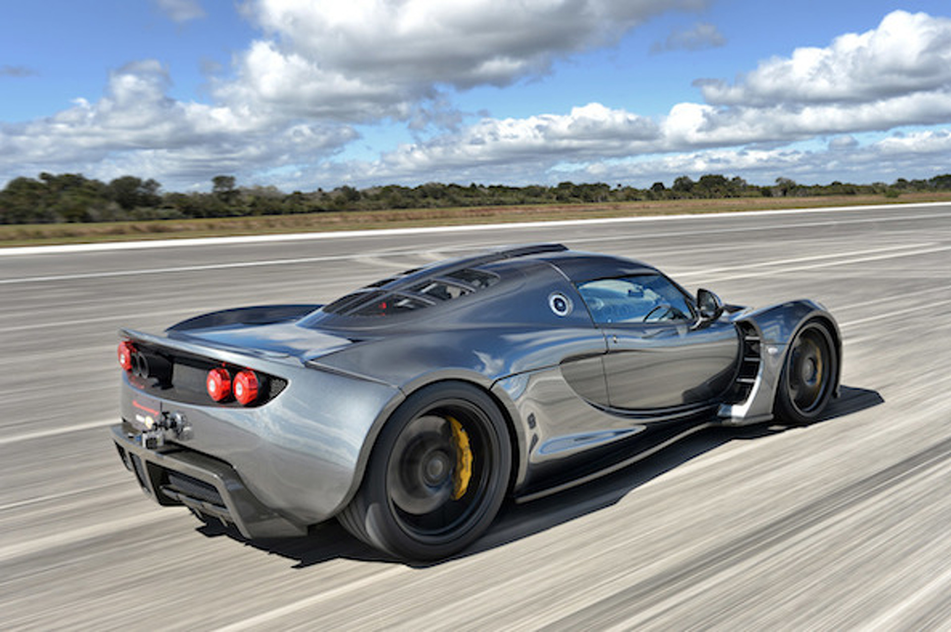 Watch Hennessey's Venom GT Hit 270 MPH [Video]