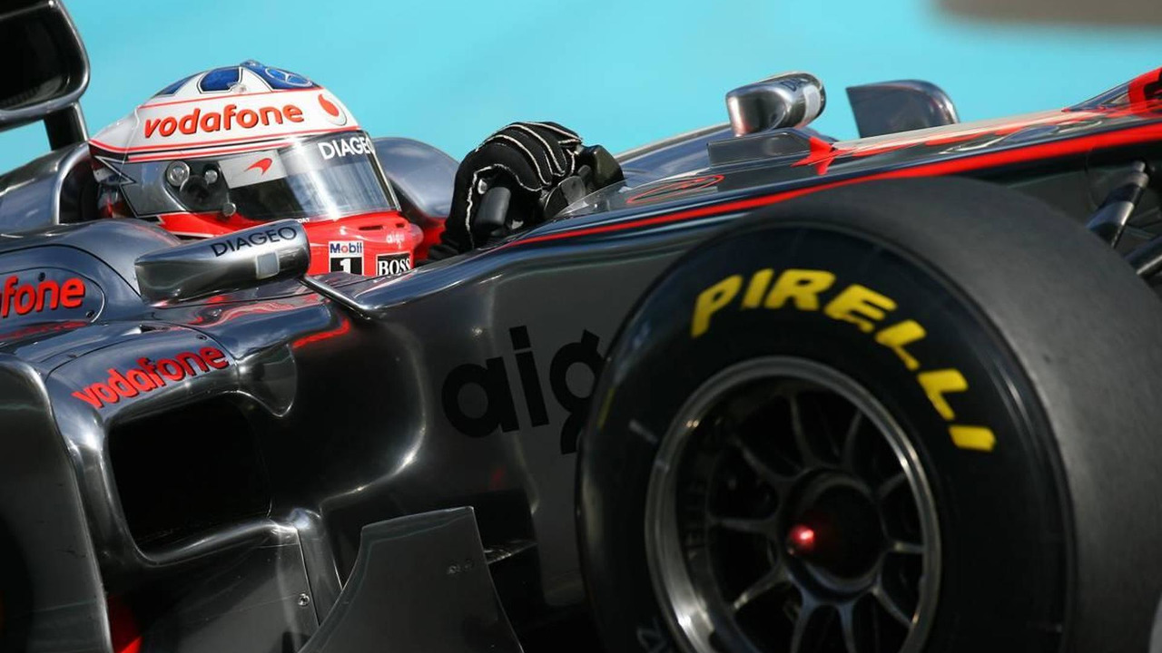 Gary Paffett (GBR), McLaren Mercedes - Formula 1 Testing, Pirelli tyre test, Abu Dhabi, 19.11.2010