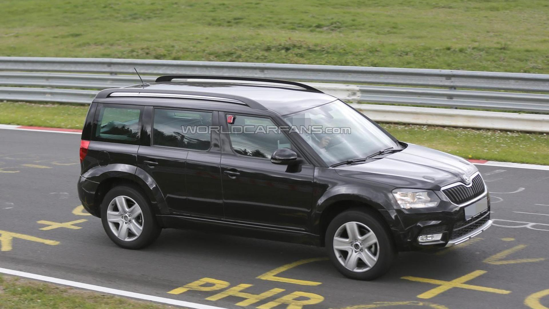 Skoda Snowman spied once again hiding underneath stretched Yeti body