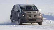 Hyundai ix30 MPV/Crossover prototype winter spy photo