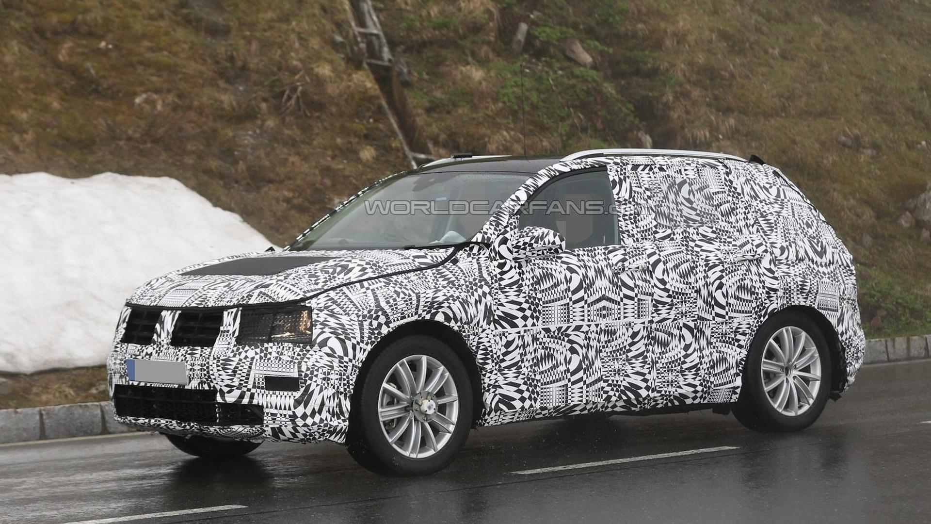 2016 Volkswagen Tiguan spied with production body for the first time (37 photos)