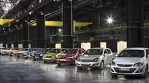 Opel confirms new Astra will debut in Frankfurt, official photos released [video]