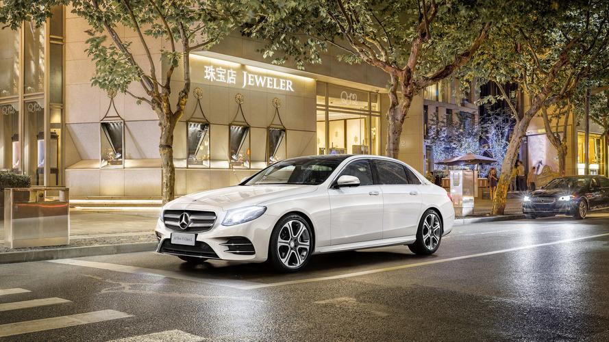 """Vendas globais premium - Mercedes-Benz começa 2017 """"sobrando"""""""