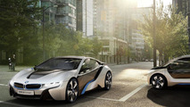 BMW i3 and i8 in motion [video]