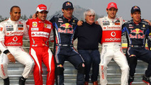 Today's F1 chargers recreate 1986 title finale photo