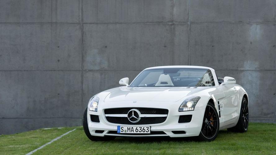 Roger Federer tests the 2012 Mercedes SLS AMG [video]