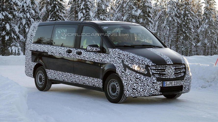 2014 Mercedes-Benz V-Class spied testing in cold weather