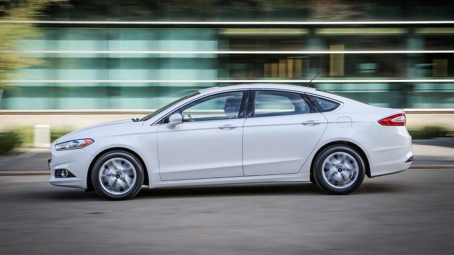 Ford Fusion tem 20 mil unidades convocadas por falha no cinto